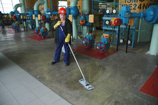 Уборка производственного помещения фото